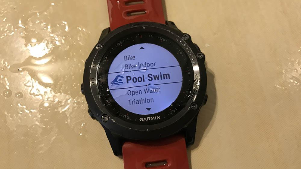 Jak używam zegarka sportowego? Wstęp, pływalnia i wody otwarte.