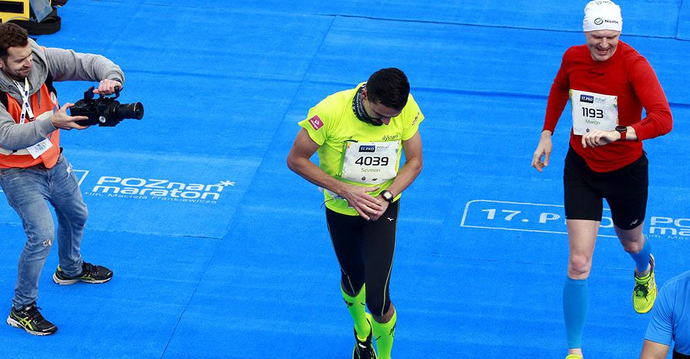 Jak używam zegarka sportowego? Bieg i trening siłowy.