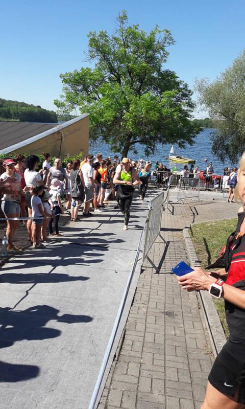 triathlon sieraków wyjście z wody