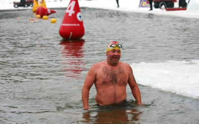 KnM #40 Ekstremalne pływanie w zimnej wodzie i zawody swimrun – Piotr Biankowski