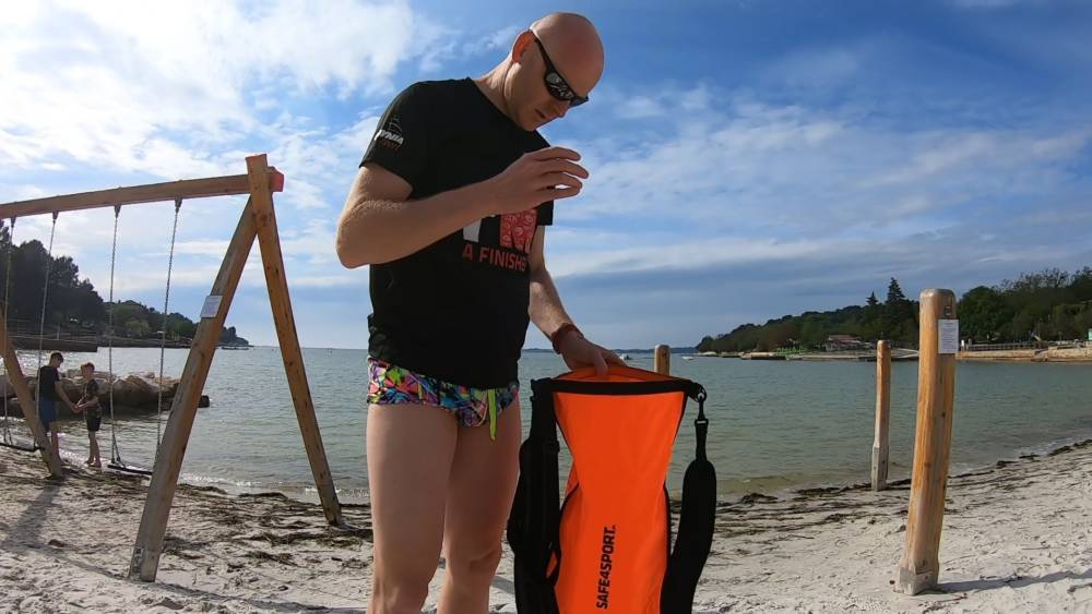 Recenzja plecako-bojki asekuracyjnej Runswimmer